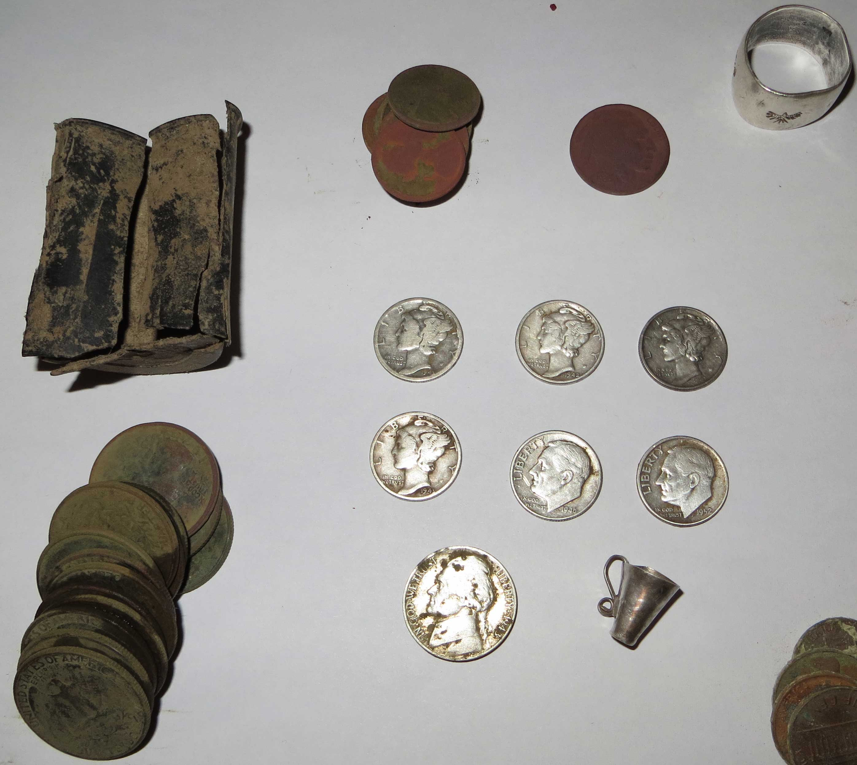 metal detecting coin cache
